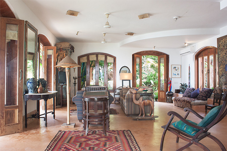 Charming Goa Boutique Hotel Living room image 2 a