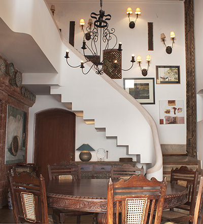 Charming Goa Boutique Hotel Sunrise villa living room image 2