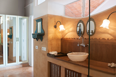 Charming Goa Boutique Hotel Trinidade suite image 2 d