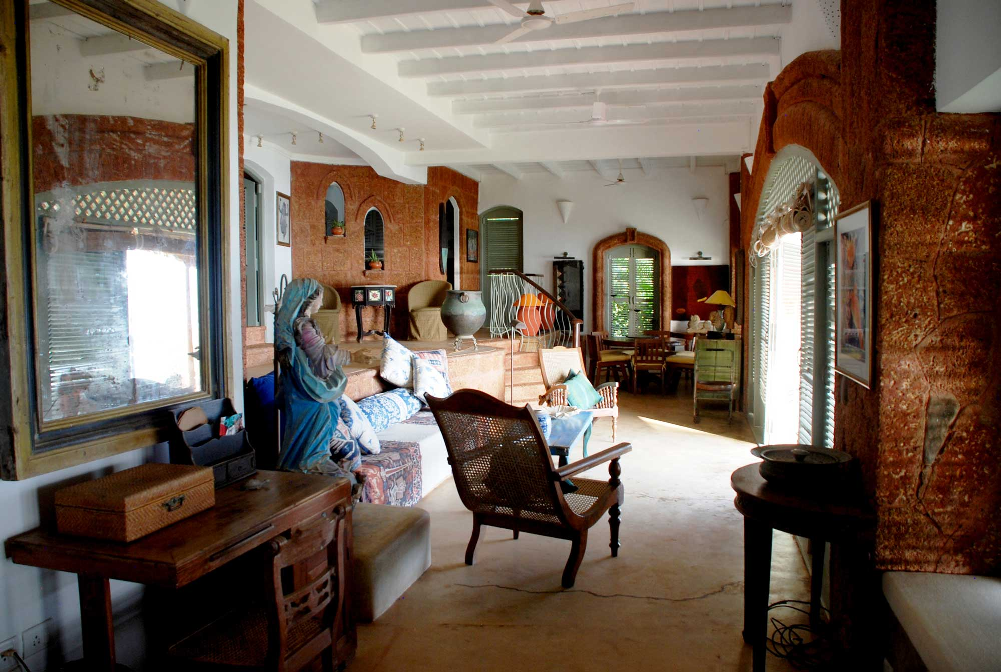 sunsetvilla-livingroom-img